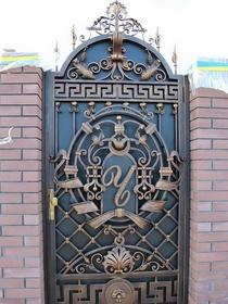 Ворота с деокрациями