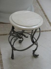 Кованый круглый стул КМ-4-5